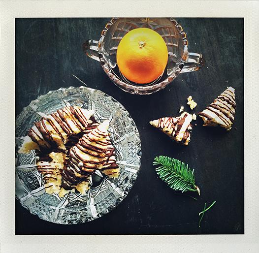 Mandelkokoskaka med apelsin och choklad