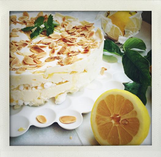 Fusksemifreddo med citron, mandel och flingsalt