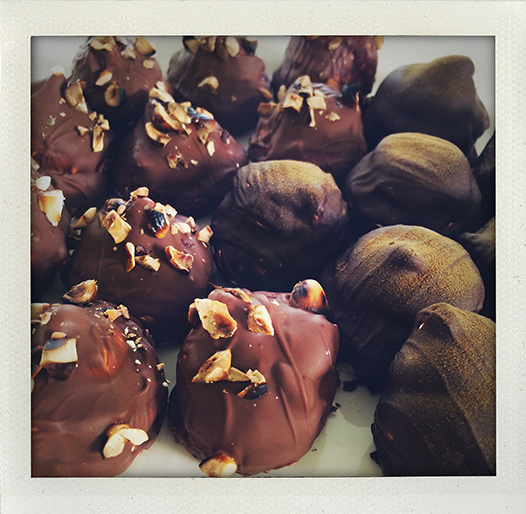 gräddbulle, gräddbullar, recept, hemlagad, hemmagjord, homemade, kokosboll, mums mums, mumsmums, flødeboll, skumboll, kokosmunik, schwedenbombe, chocolate-coated marshmallow treat, marshmallow, chocolate, recipe, fluff, swedish, taste, sweet, pastries, lakrits, licorice, hazelnut, hasselnöt, I huvudet på Elvaelva