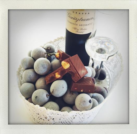 Frusna vindruvor och choklad