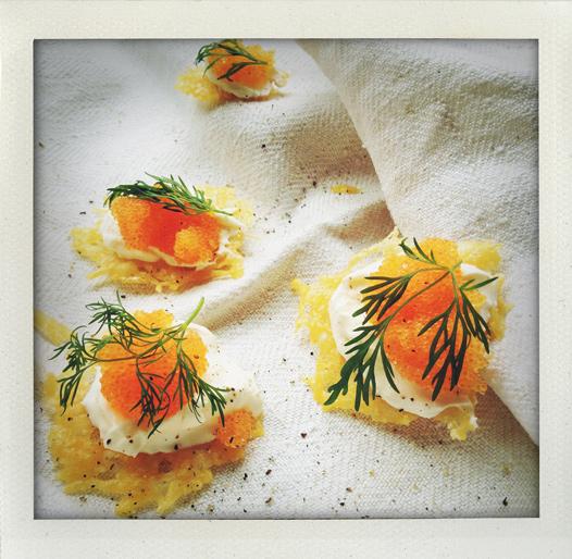 Parmesanflarn med löjrom